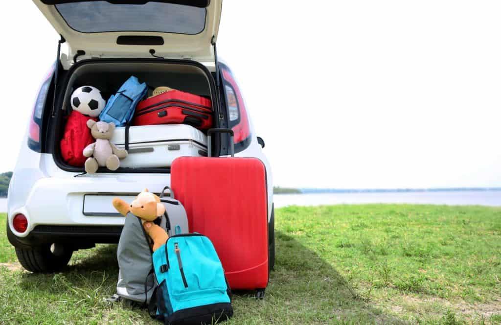 """הורים מטיילים: כך תתפרו נופש בחו""""ל עם ילדים"""